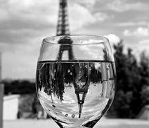 Inspiring picture water, wine, black and white, bubbles, eiffel tower. Resolution: 500x715. Find the picture to your taste!
