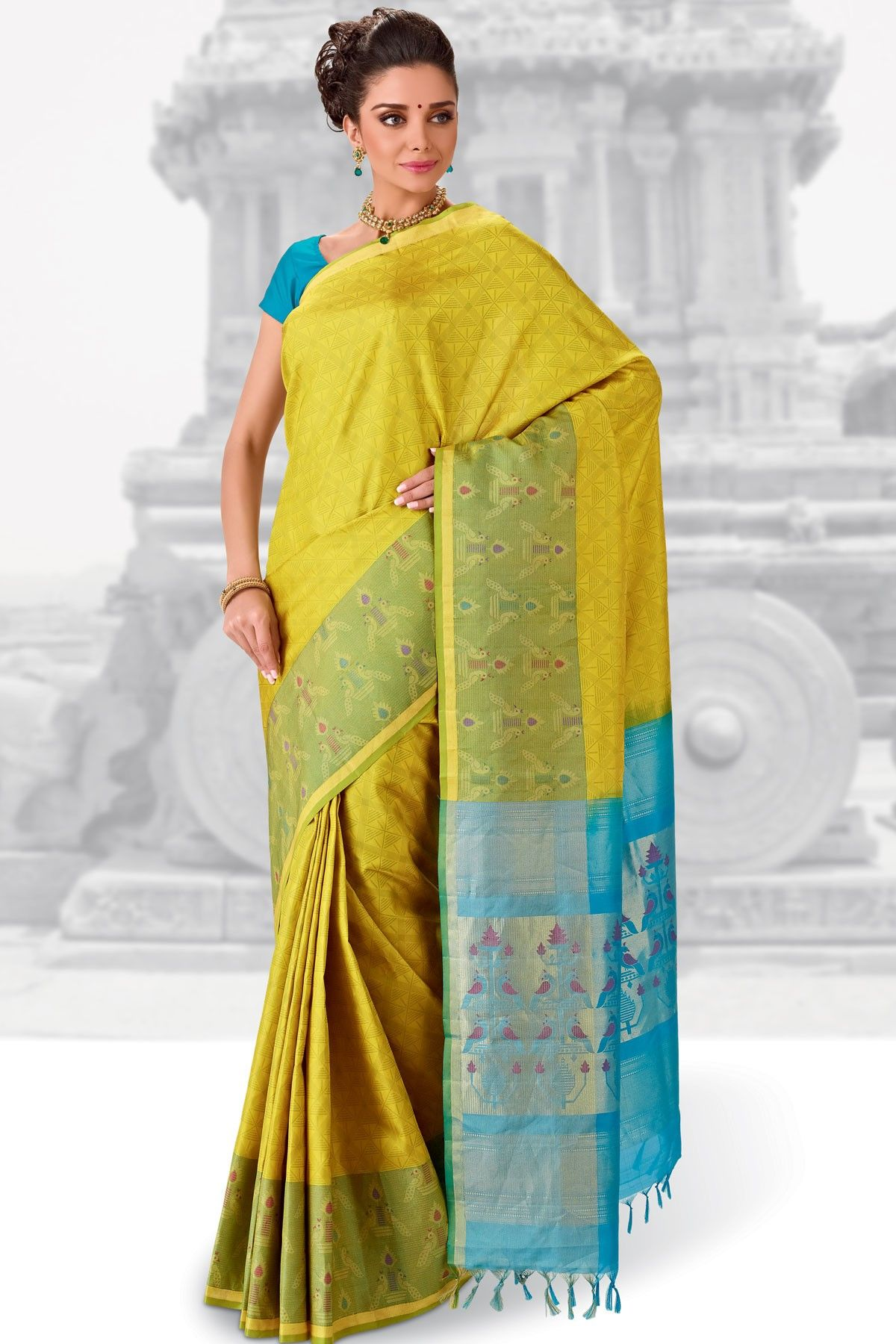 b9c4852398659 Gorgeous  Yellow weaved pure silk saree in green saree border   light  blue  weaved pallu along with blue plain blouse to give you a  pretty look.