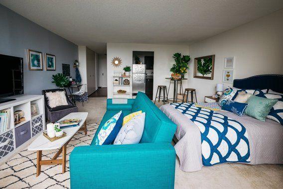 before after a chicago student 39 s studio gets colorful schlafzimmer einrichten garage und. Black Bedroom Furniture Sets. Home Design Ideas