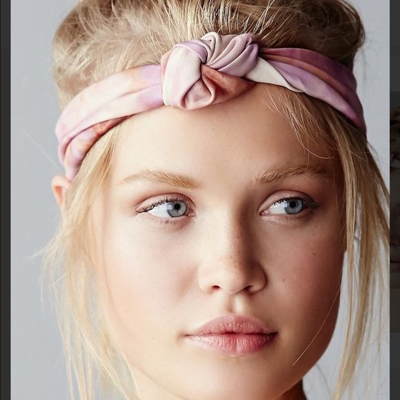 Free People Knotted Tie Dye Pink Headband Free People Knotted Tie Dye Pink Headband new never worn. Free People Accessories Hair Accessories