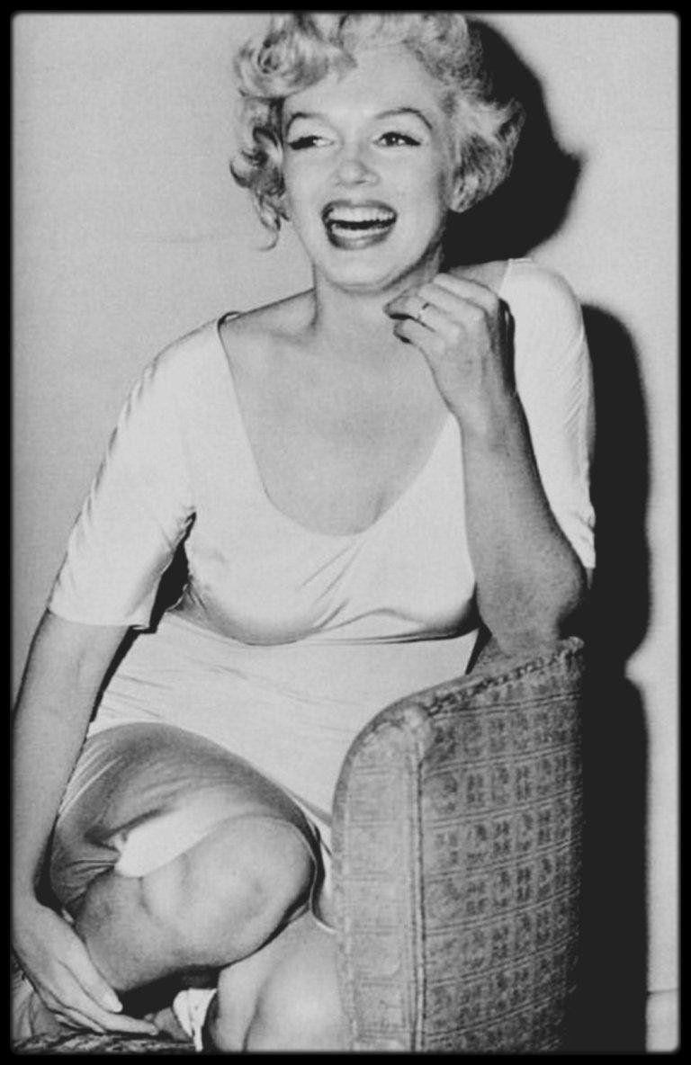 1958 Marilyn Attendant Un Coup De Telephone Important De Son