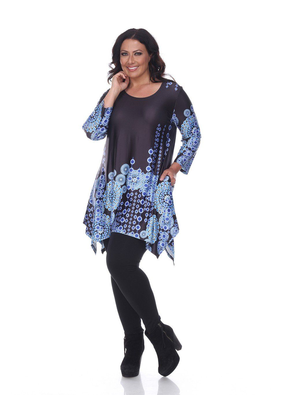 This flattering tunic from White Mark drapes stunningly on your body. With a bold, flirty print and 3/4 sleeves, you are sure to feel comfortable and look stylish. Size: 1X : US Size 14-16, Bust 40