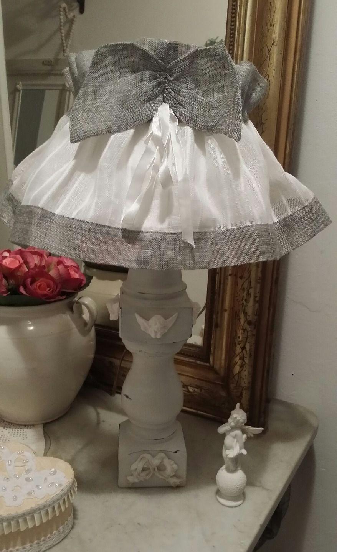 lampe d 39 appoint patin e blanc style shabby chic luminaires par les intemporels tutos abat. Black Bedroom Furniture Sets. Home Design Ideas