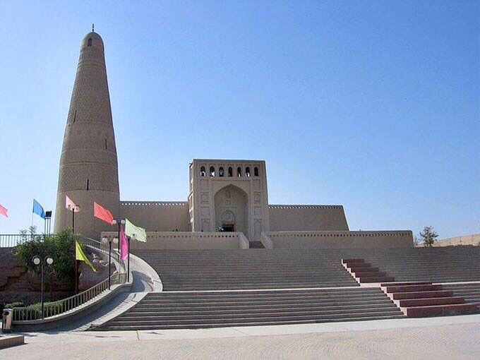 مسجد ومئذنة توربان، الصين. Emin Minaret of Turpan, China.