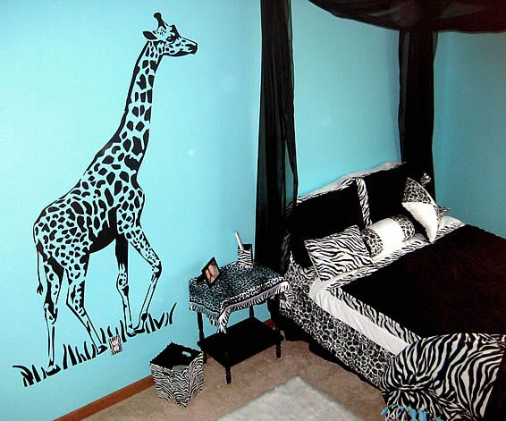 Jungle Bedroom With Giraffe, Zebra Stickers   Decor By Kimmie   Dezign Blog