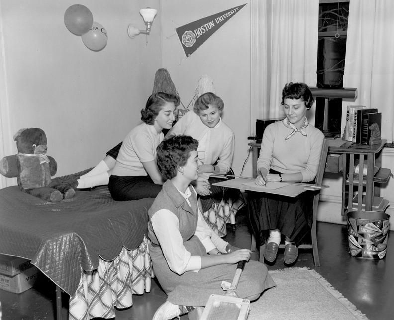 On November 7, 1952, PAL (Practical Arts and Letters) students posed in their Murlin House dorm room.