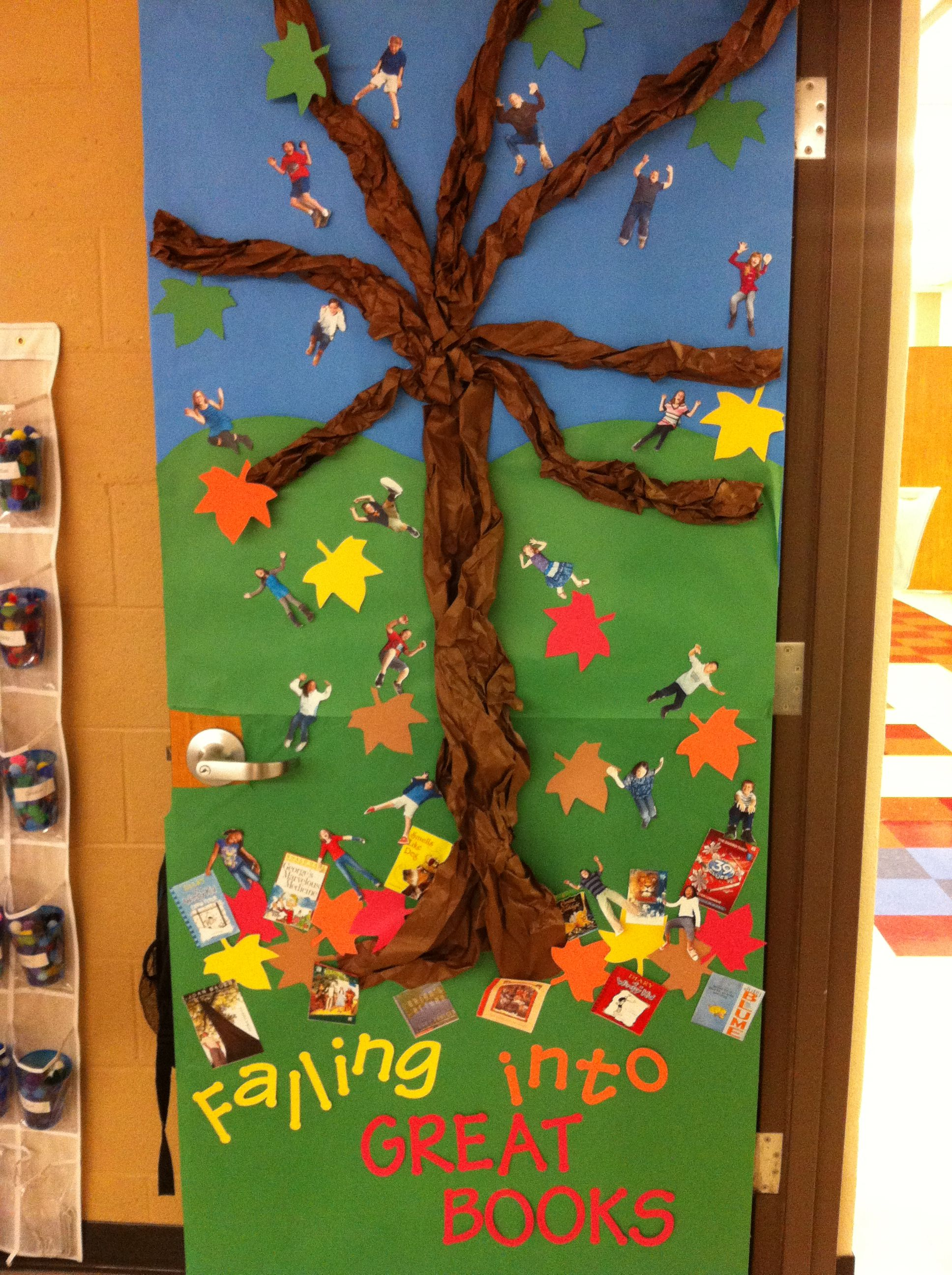 My fall classroom door the kids love that i cut out their for Autumn classroom decoration