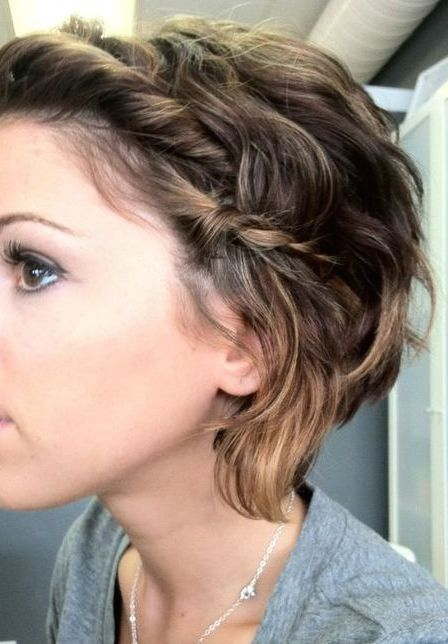 Short Hair For School Work Or Shopping Day Cute Hairstyles For Short Hair Hair Styles Short Hair Trends
