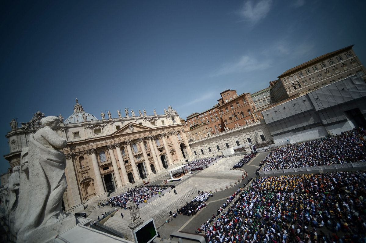 People gather in St Peter's Square at the Vatican during Pope Francis' weekly general audience on May 1, 2013. AFP PHOTO / FILIPPO MONTEFORTEFILIPPO MONTEFORTE/AFP/Getty Images