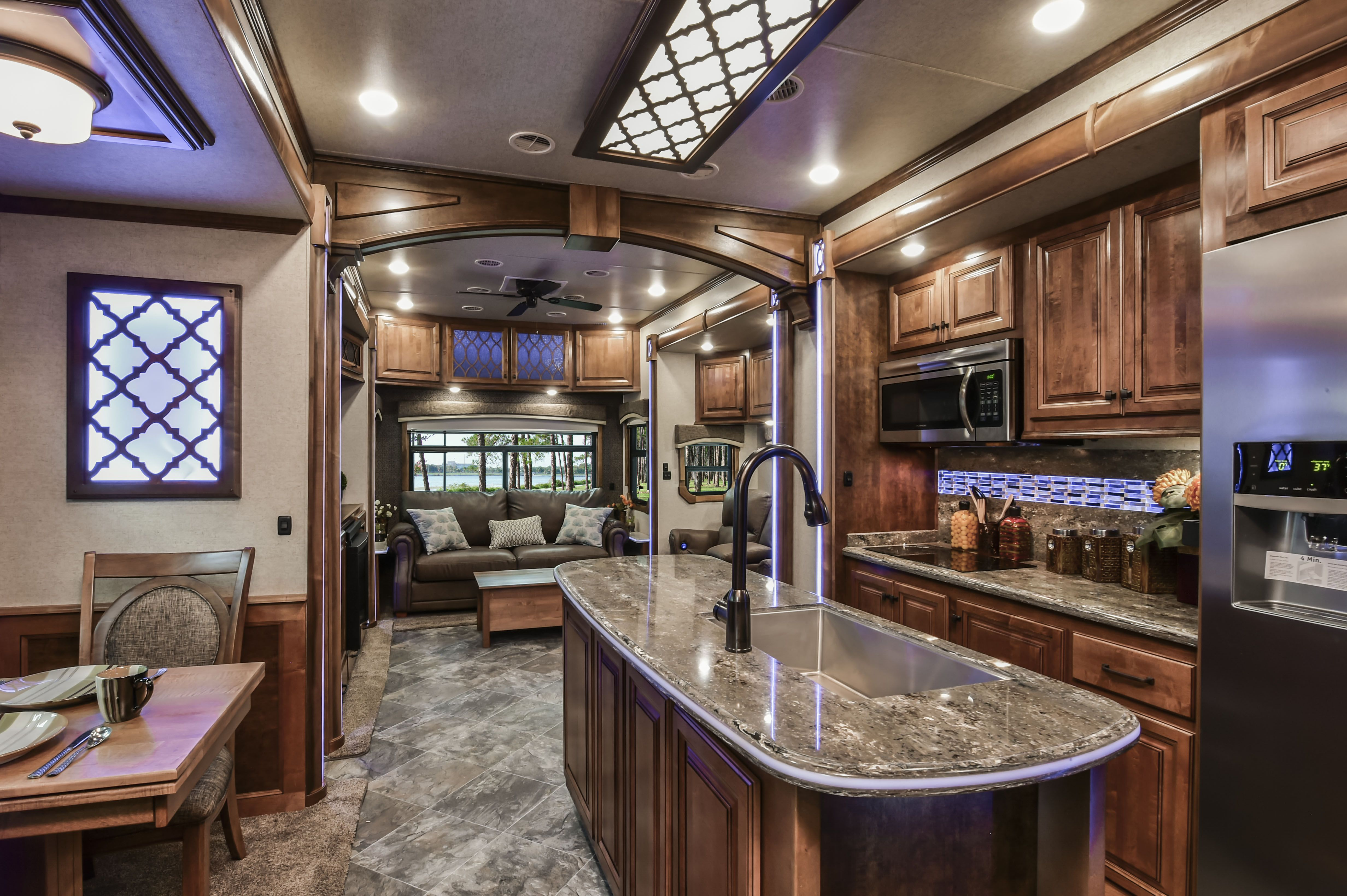 LM Charleston (With images) | Luxury rv living, Travel ...
