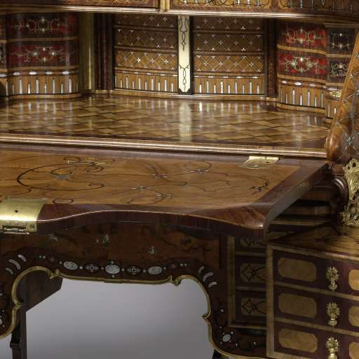 Bureau, Abraham Roentgen, ca. 1758 - ca. 1760 - Furniture and interiors - Works of art - Explore the collection - Rijksmuseum