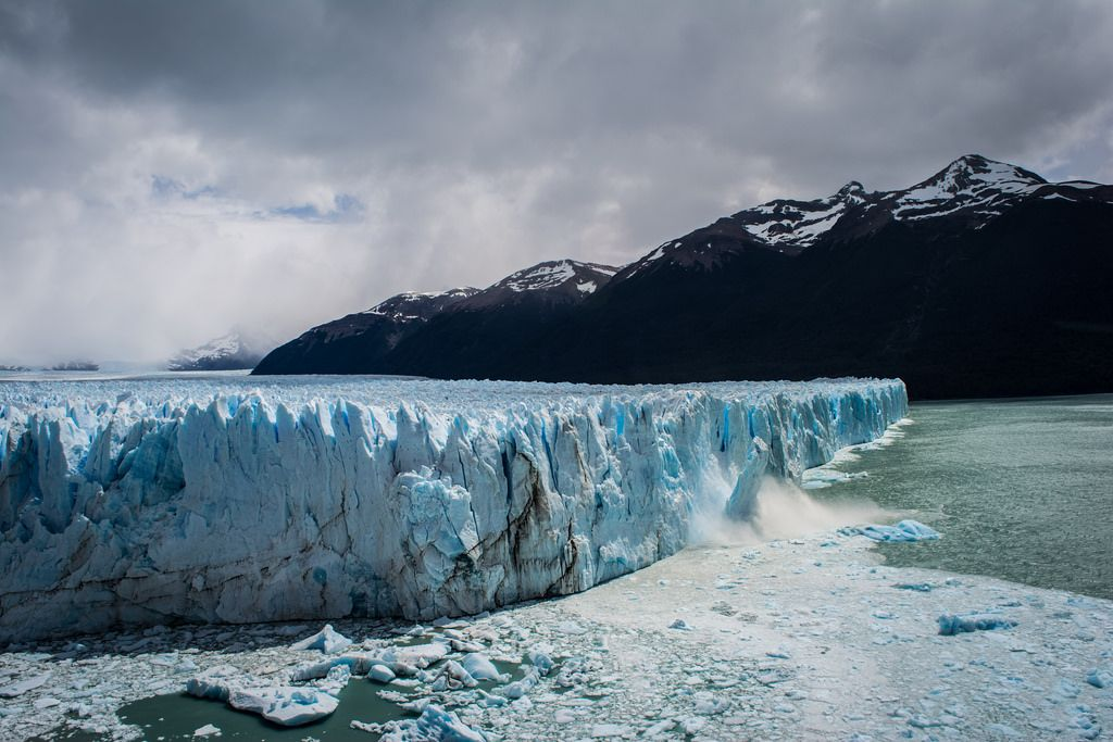 Complete your journey through Patagonia with a trip to Los Glaciares National Park (close to El Calafate, in Argentina) to witness the magic of the Southern Patagonian Ice Field!