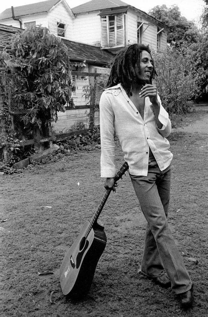 Bob Marley x David Burnett Black /& White Guitar Photo T-Shirt