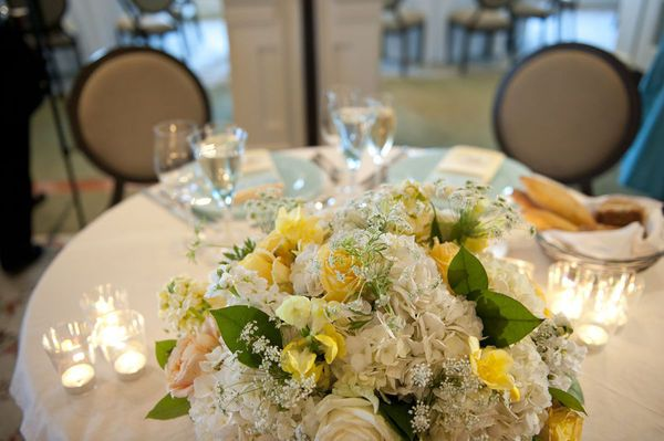 Beautiful....Great use of a little green and yellow to make the white pop just a tad!