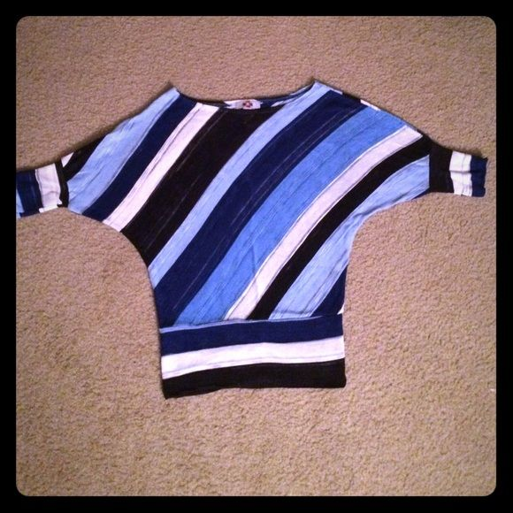 """🌐Dolman Striped Blouse🌐 I love stripes and especially the different """"blues"""" in it. Cute must have that goes perfect with anything. LMK if you have any questions. Tops Blouses"""