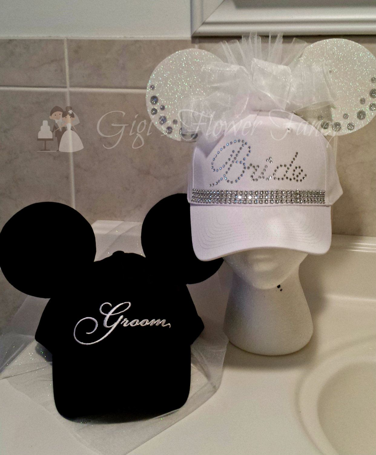 hats or sunglasses Can be made without strap and used as a pin lanyard. great to hold your Minnie ears Bride Minnie ear holder