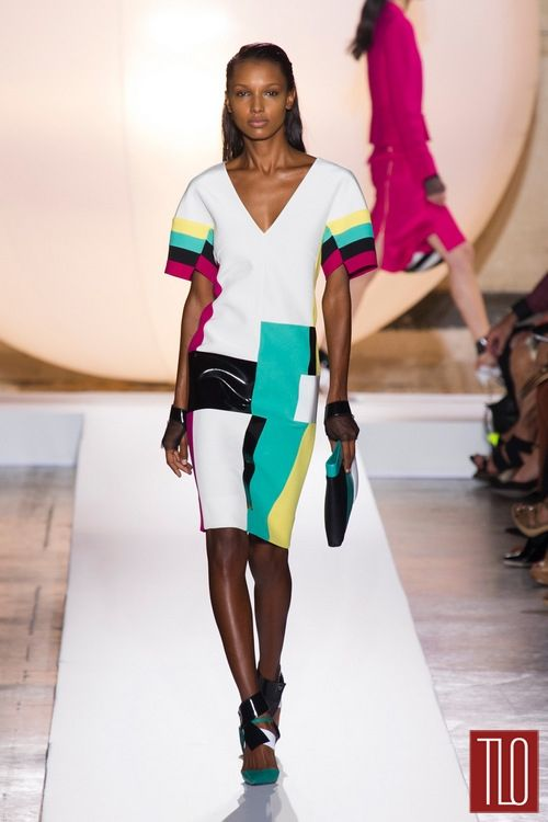 Dress with volume and color block