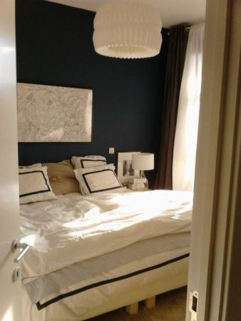 chambre bleu marine chambre parents inspiration. Black Bedroom Furniture Sets. Home Design Ideas