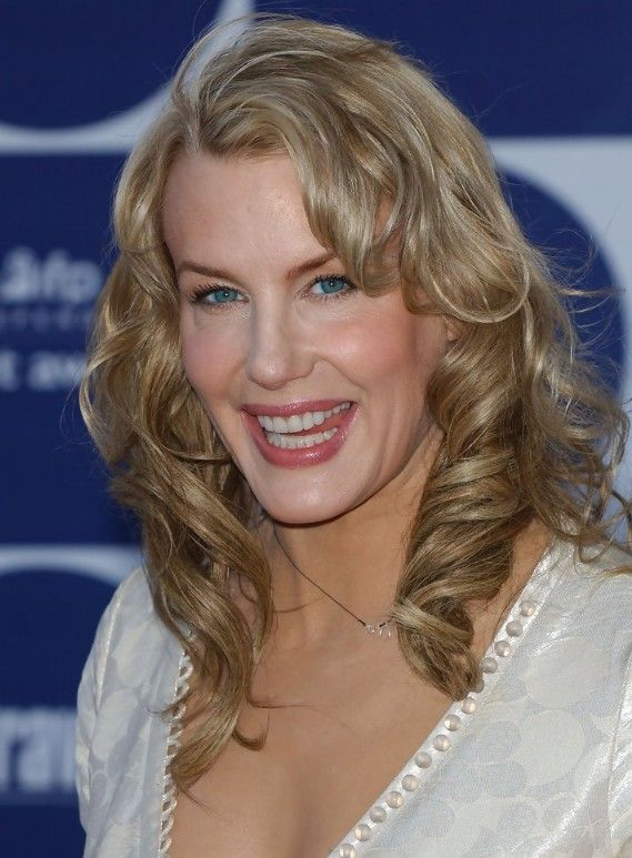 Medium Wavy Hairstyles Medium Wavy Hairstyles For Women Over Age 50  Medium Wavy