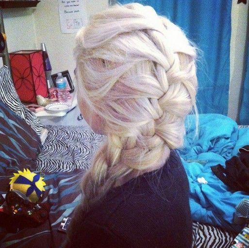 Warkocz Elsa Szukaj W Google Fryzury Hair Elsa Hair I Her Hair