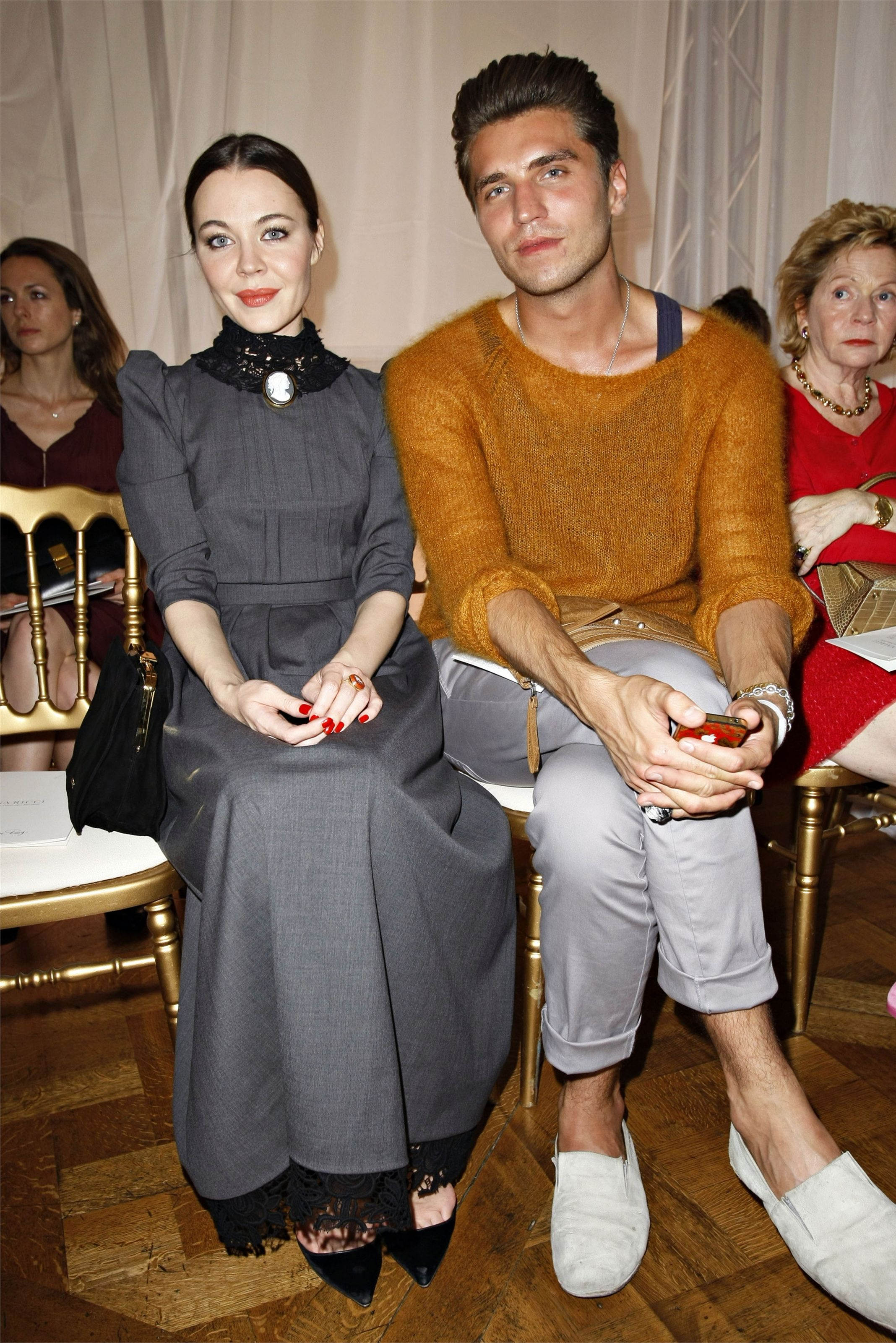 http://images.vogue.it/imgs/sfilate/pe-2012-collezioni/nina-ricci/frontrow/HQ/00070h.jpg