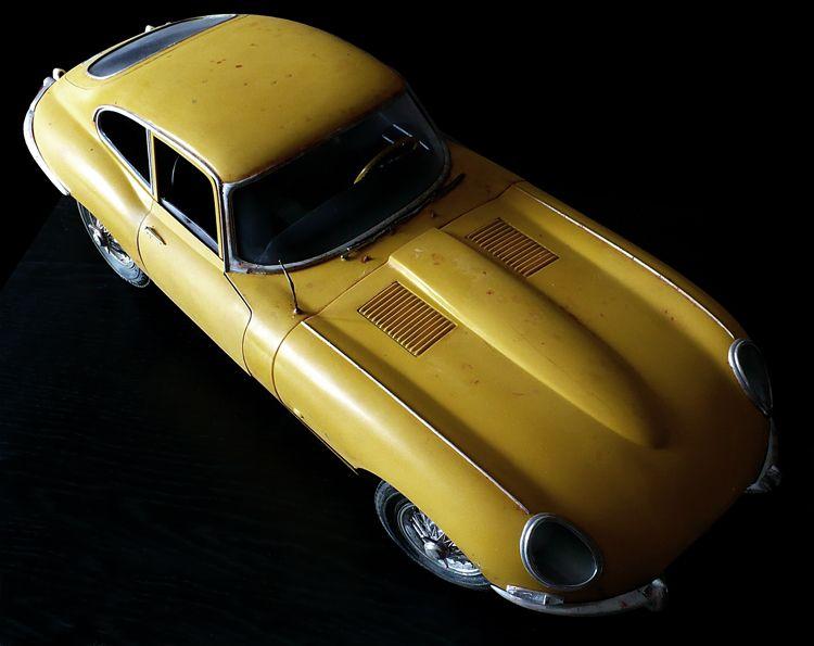 Monogramu0027s 1/8 Scale Jaguar XK E (E Type) Sports Car With