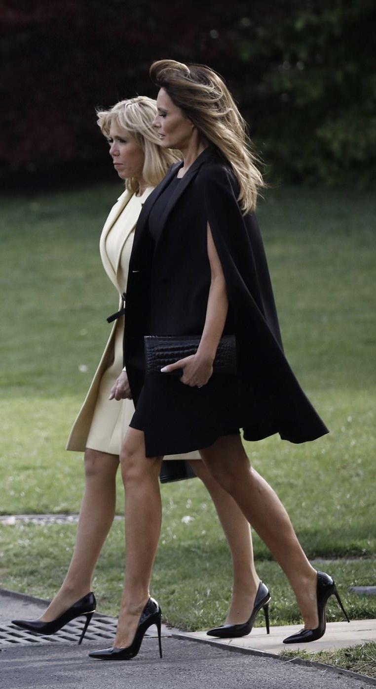0e4e4f726d0a Chaussures. Premières Dames · Personnalité · First Lady Melania Trump    Brigitte Macron Melania Knauss Trump