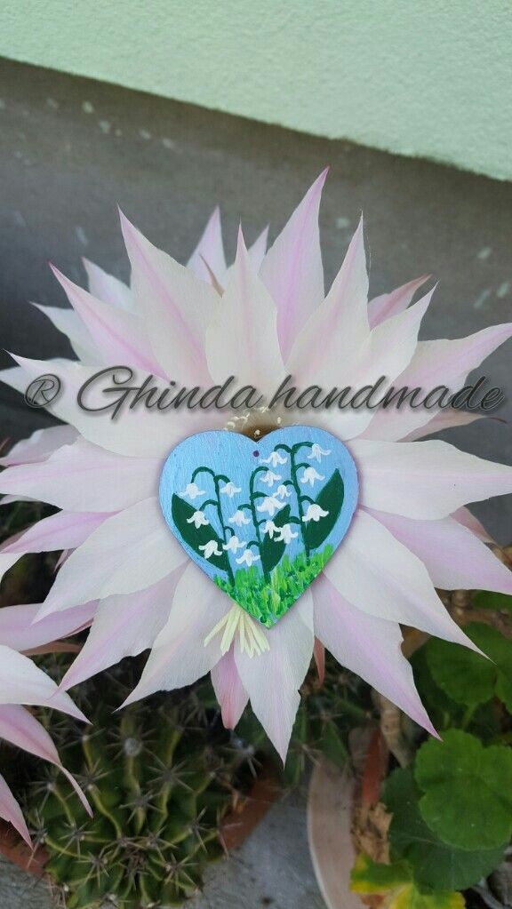Painted pendant lilly of the valley