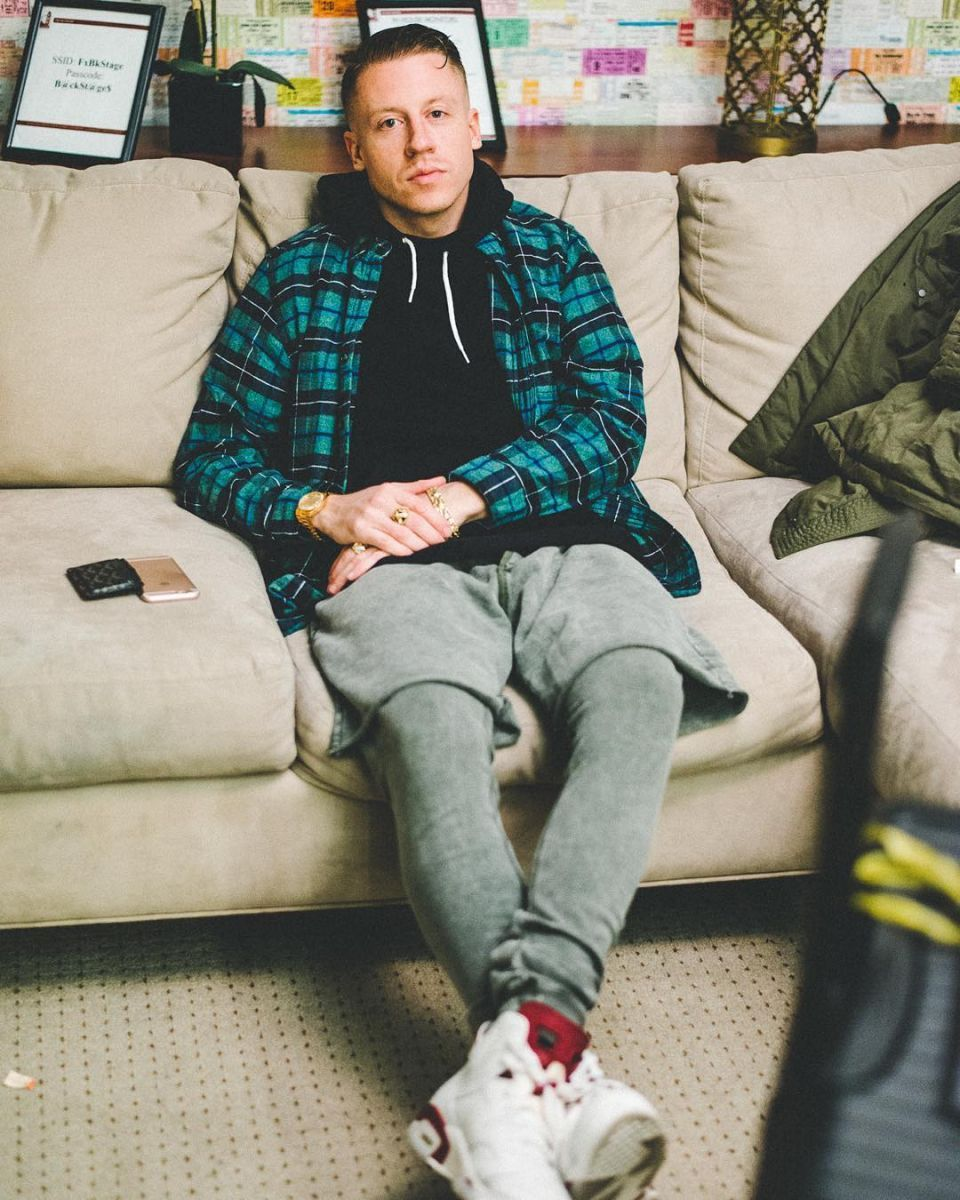 c1d8b02dd8f3 Macklemore Wearing the  Maroon  Air Jordan 6