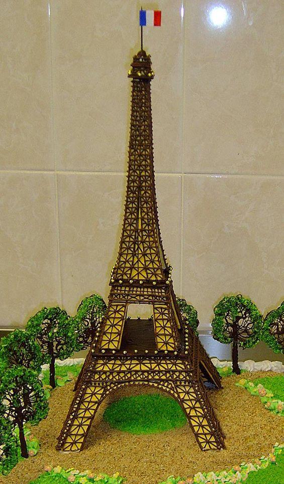 pastel de la Torre Eiffel   Reposteria jumii   Pinterest   La torre ...