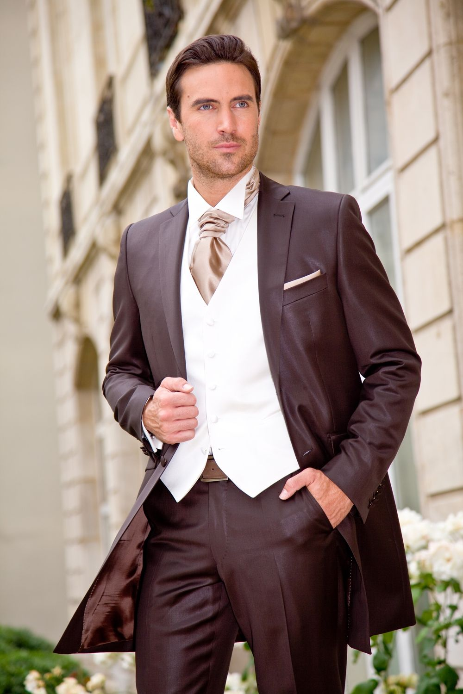 costumes hommes mariage ivoire et marron  a5db2ee7865
