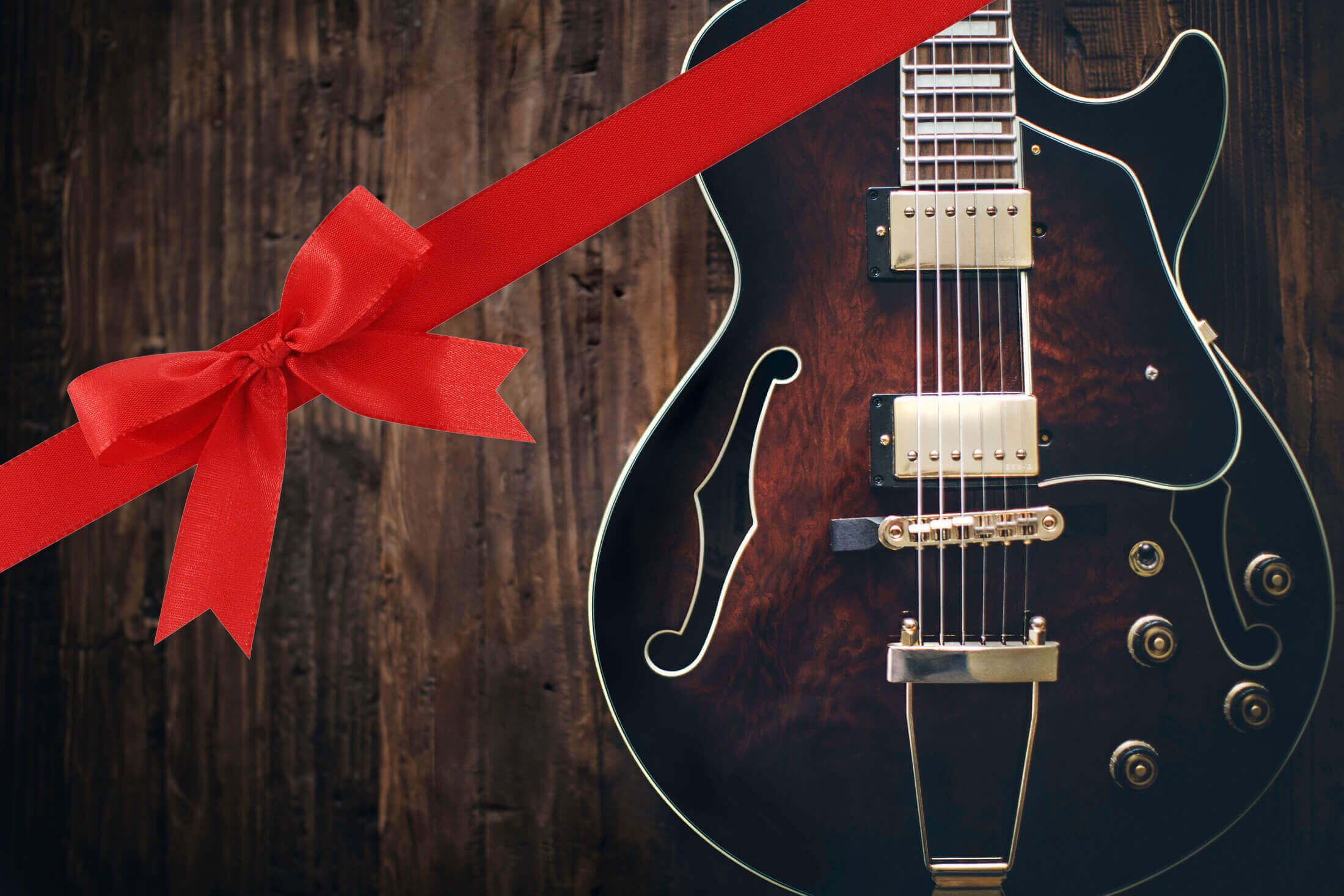 Check Out The Ultimate Guitar Gift Guide Of The Best Gifts To Get Guitar Players This Year For Christmas Chanukah Birthday Jazz Guitar Guitar Electric Guitar