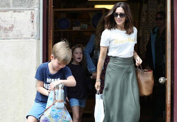 Princess Mary shopped at Salamanca with her children Royal Family