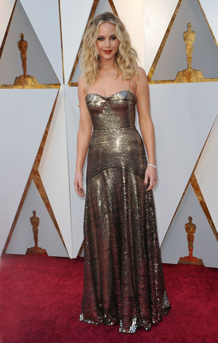 Jennifer Lawrence in Dior at the 2018 Oscars | Dresses ...