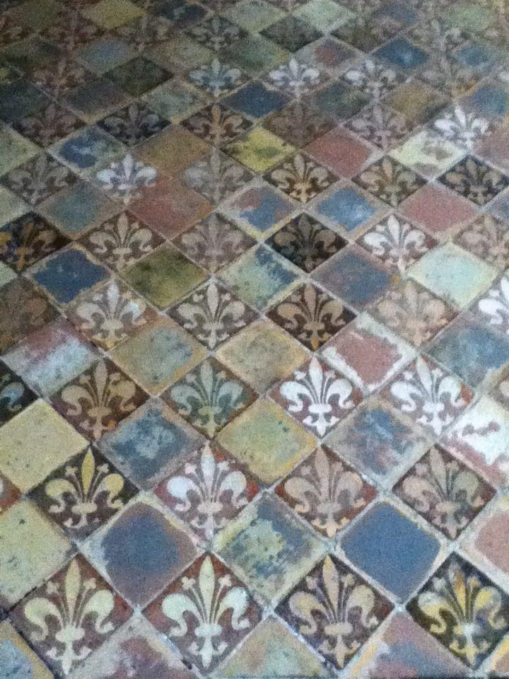 Medieval Tiles In Winchester Cathedral Fleur De Lys Carreau
