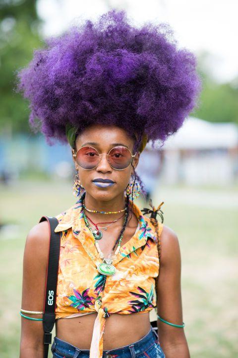 Coloration violet sur cheveux afro