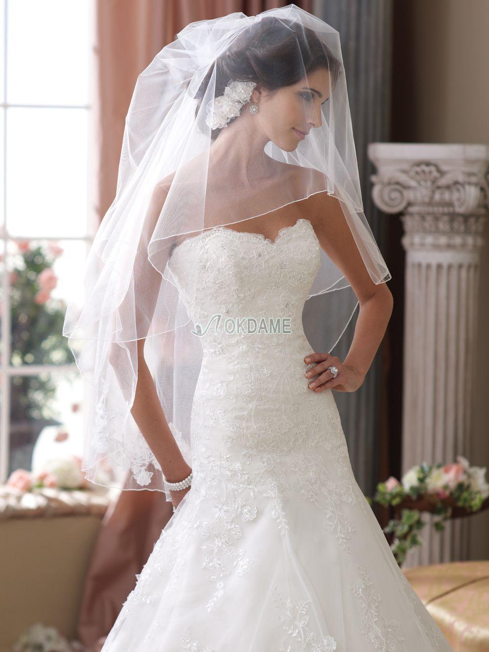 Sanduhrförmiges Herz-Ausschnitt besonderes extravagantes Brautkleid ...