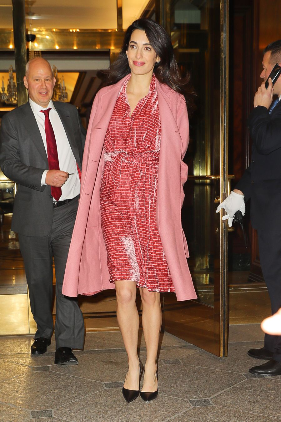 Amal Clooney embarazada, con \'look\' premamá | Amal | Pinterest ...
