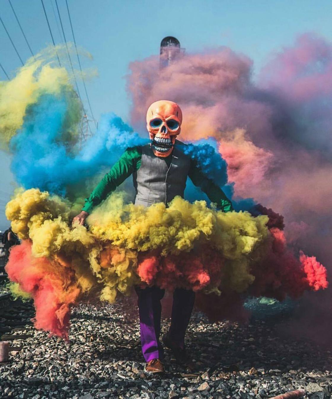 Esqueleto de color - Las fotografías ultra-coloridas de Butch Locsin ...