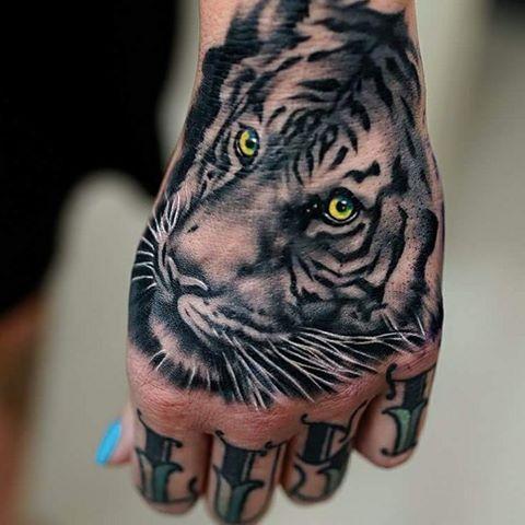 amazing tiger tattoo tattoo ideas pinterest tattoo vorlagen und vorlagen. Black Bedroom Furniture Sets. Home Design Ideas