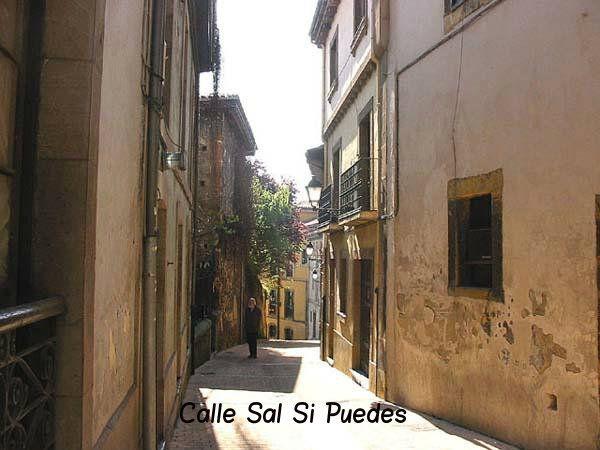 Pin De Apartamentos Mazuga Rural En Oviedo Oviedo Calle Edificios