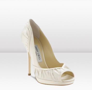 CARAS - Caras Especiais - Jimmy Choo lança nova coleção de sapatos e bolsas para noivas