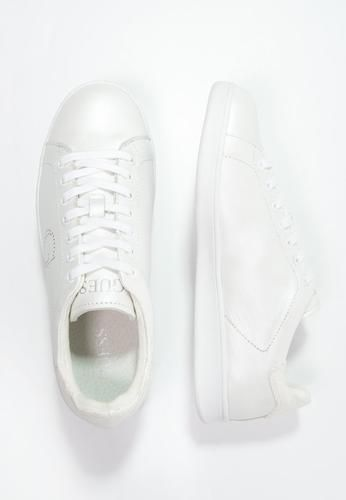 Guess super 2 sneakers basse white bianco ad Euro 125.00 in  Guess  Donna  scarpe sneakers sneakers 62478bd4764