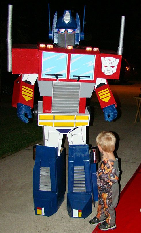 31 Things You Can Make With A Cardboard Box That Will Blow Your Kidsu0027 Minds | Transformer costume Costumes and Homemade costumes & 31 Things You Can Make With A Cardboard Box That Will Blow Your Kids ...
