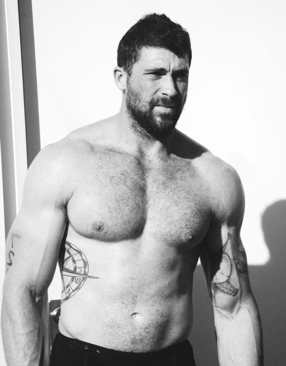 Squint maleart body buw pinterest hot guys beard boy and