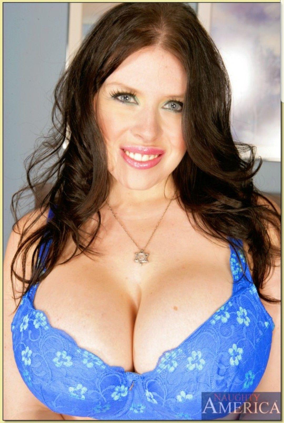 Daphne Rosen Nude Photos 8