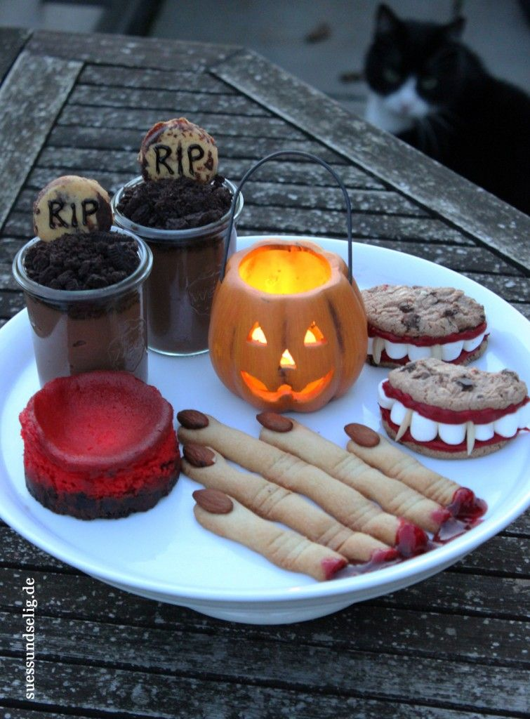 halloween gruselig s e snacks und desserts s e rezepte pinterest inspiration. Black Bedroom Furniture Sets. Home Design Ideas