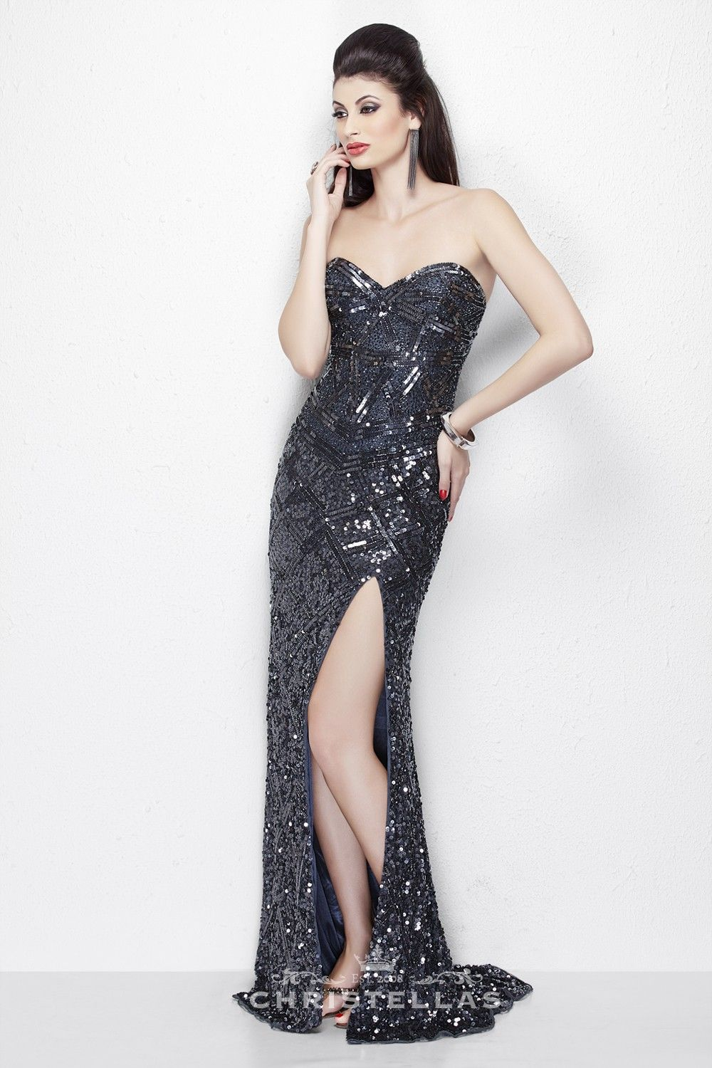 Channel your inner gatsby goddess in this curvehugging metallic