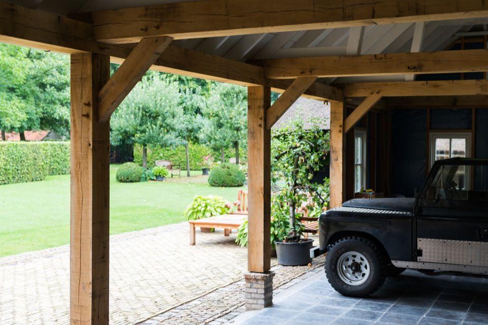 Dubbele garage annex mantelzorgwoning met een robuuste for Annexe garage