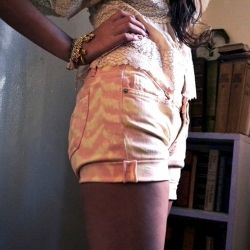 DIY these Ikat shorts using a little bleach and an old pair of jeans. Super easy!